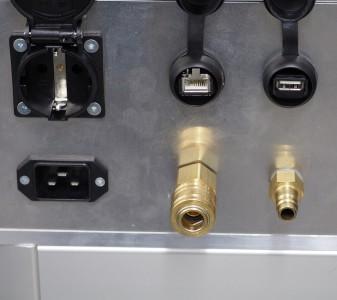 Vielfältige Anschlußmöglichkeiten 230V, USB, Ethernet, Druckluft