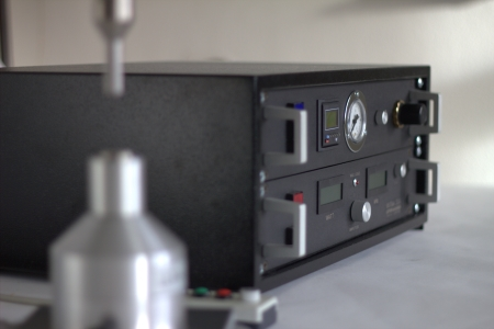 Ultraschallgenerator 500 mit Steuereinheit